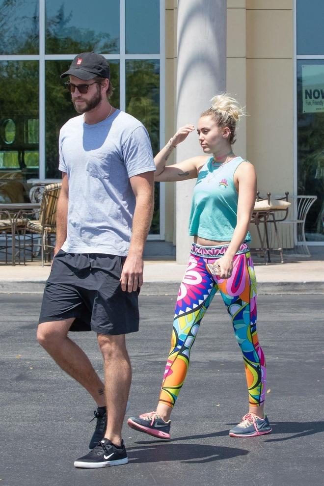 thoi trang cua Miley Cyrus va Liam Hemsworth anh 10