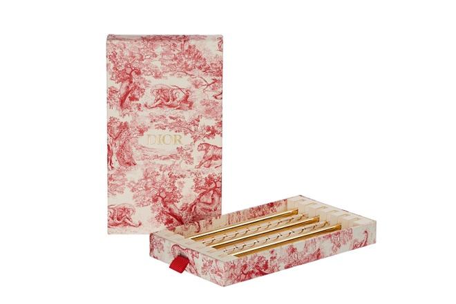 Dior bat ngo tung ra bo ong hut thuy tinh co gia 3,5 trieu dong hinh anh 1