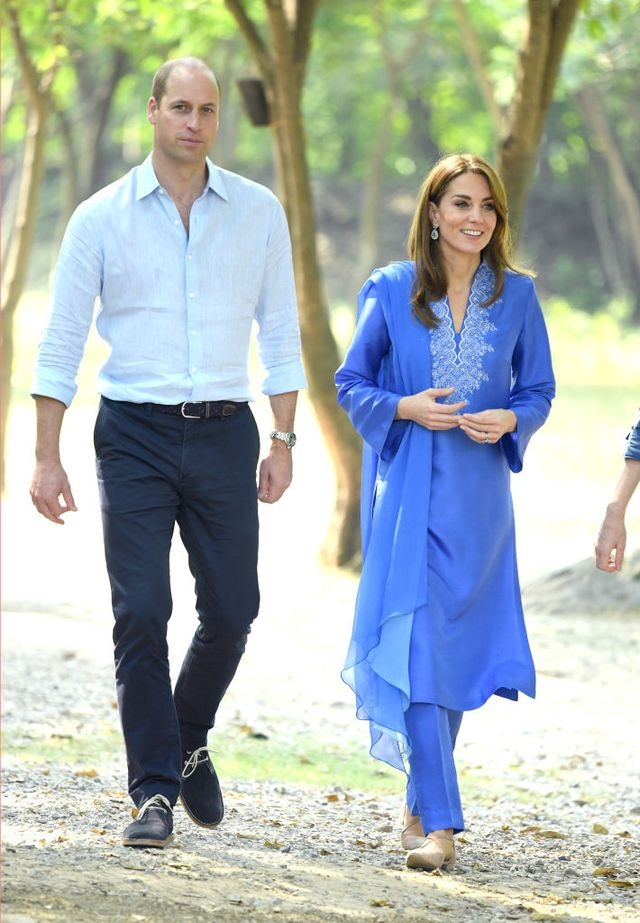 Kate Middleton dien do giong Cong nuong Diana khi den Pakistan hinh anh 4