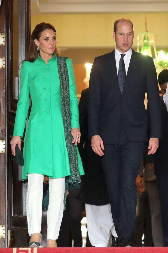 Kate Middleton dien do giong Cong nuong Diana khi den Pakistan hinh anh 3