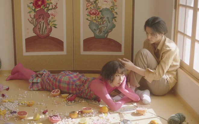 Min the hien hinh tuong chu meo trong MV moi hinh anh