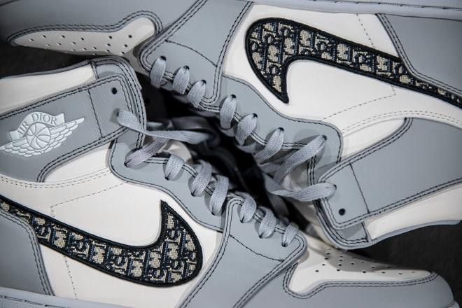 Vì sao Dior x Nike Air Jordan I lại trở thành cơn sốt?