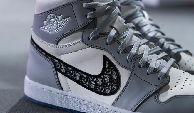 Dior Air Jordan 1 anh 7