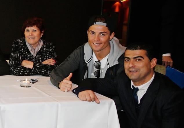 Ronaldo song co don o Madrid hinh anh