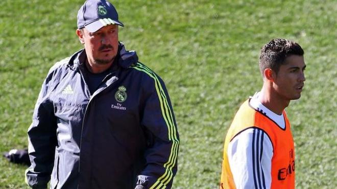 Tiet lo mau thuan sau sac giua Ronaldo va HLV Benitez hinh anh