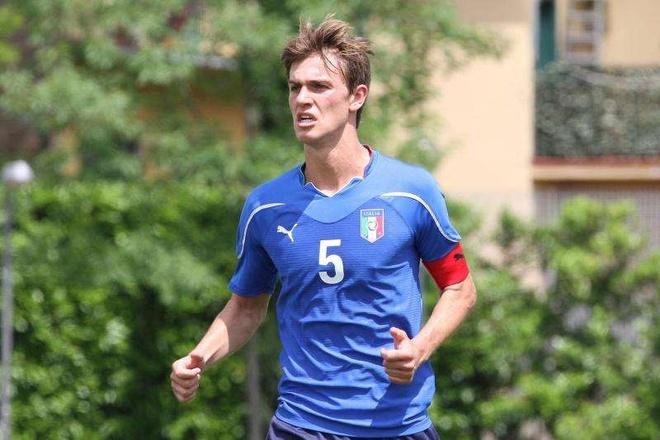 MU va Arsenal san hau ve tre Italy hinh anh