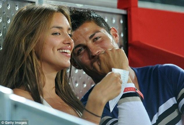 Ronaldo: 'Irina Shayk khong quan trong voi toi' hinh anh 1