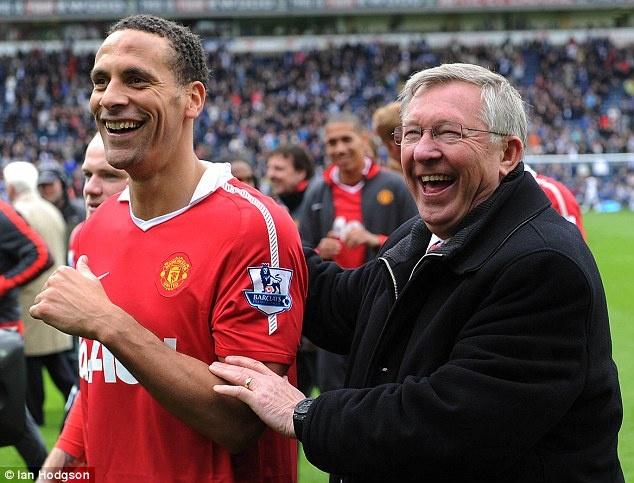 'MU duoi thoi Sir Alex Ferguson toan quai vat' hinh anh
