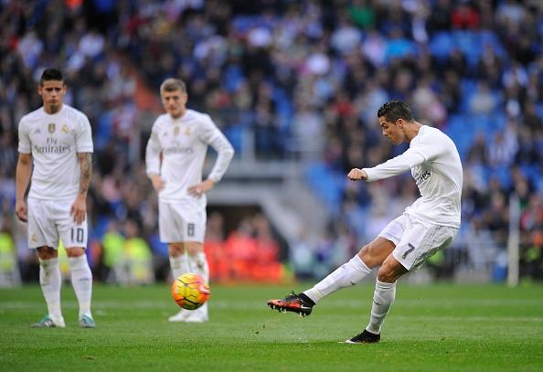 Ronaldo ngay cang ua thich cac doi bong trung binh va yeu hinh anh 2
