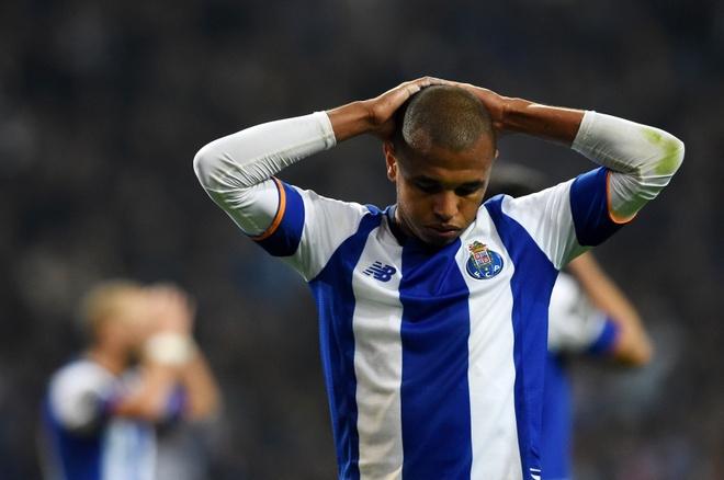 Fan Porto don long va che gieu doi nha o san bay hinh anh