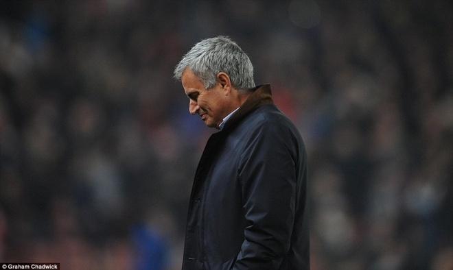 Mourinho tu nhuom den ho so nghe nghiep hinh anh 3