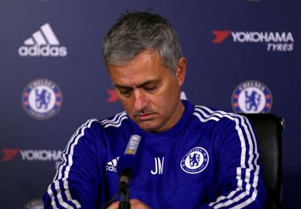 Mourinho tu nhuom den ho so nghe nghiep hinh anh
