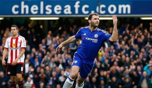 'Cau thu Chelsea xung dang bi la o' hinh anh