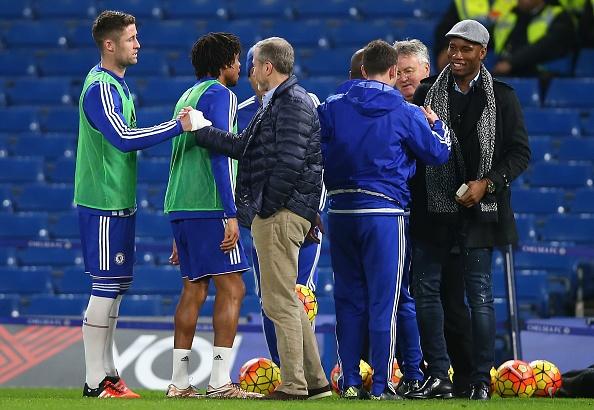 'Cau thu Chelsea xung dang bi la o' hinh anh 1