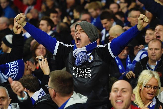 Fan thang cuoc dam nho Leicester vung ngoi dau bang hinh anh
