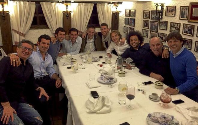 Ramos dua ban gai xem tran bong ro Real - Barca hinh anh 7