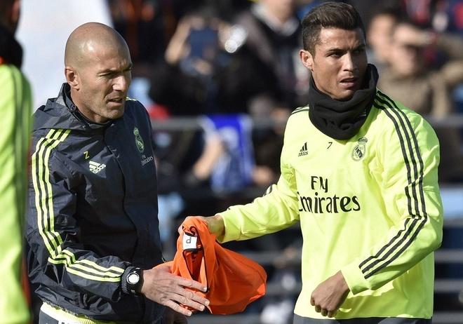 6000 fan den xem Zidane chi dao buoi tap dau tien hinh anh 5