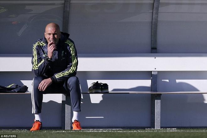 6000 fan den xem Zidane chi dao buoi tap dau tien hinh anh 7