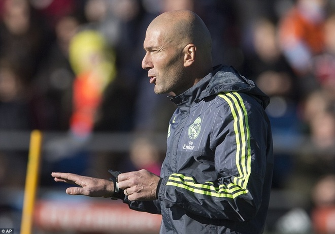 6000 fan den xem Zidane chi dao buoi tap dau tien hinh anh 3