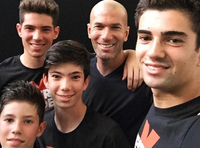 Zidane cung cac con trai dinh hinh trieu dai o Real? hinh anh