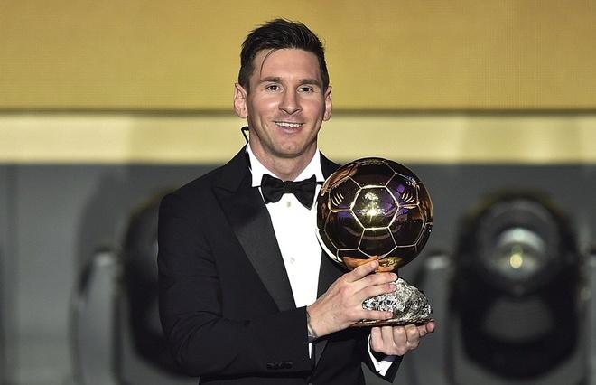 Nhung la phieu ky la cua Qua bong vang FIFA 2015 hinh anh
