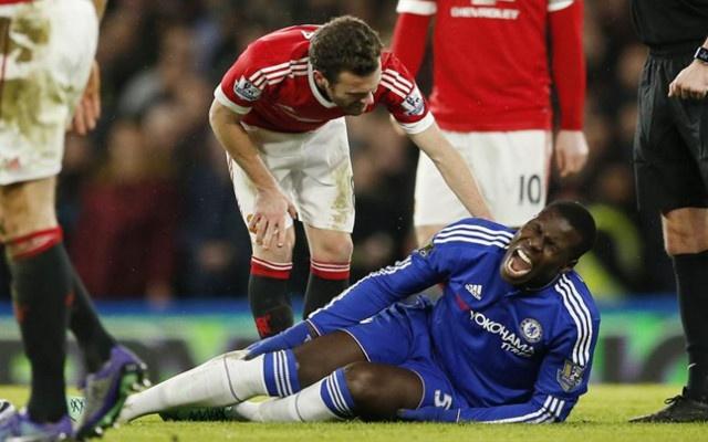 Hau ve Chelsea nghi 6 thang sau pha tiep dat loi hinh anh