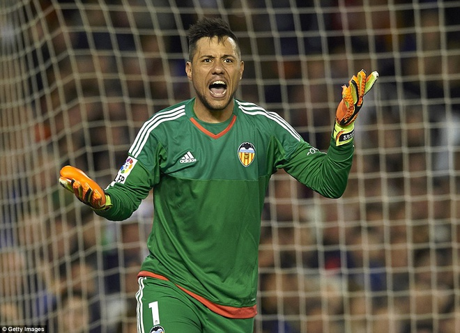 Gary Neville cung Valencia thang tran dau o La Liga hinh anh 6