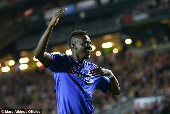 Sao tre Bertrand Traore ghi ban lien tiep cho Chelsea la ai? hinh anh 1
