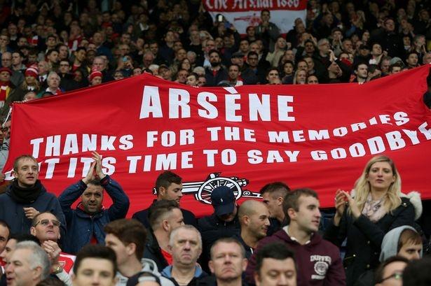 Fan Arsenal danh nhau ben ngoai san Emirates hinh anh 1