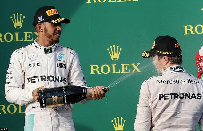 Alonso thoat chet sau vu tai nan khien xe dua nat vun hinh anh 18