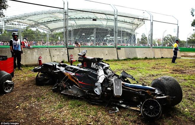 Alonso thoat chet sau vu tai nan khien xe dua nat vun hinh anh 11