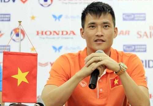 Cong Vinh duoc website FIFA ca ngoi la Beckham Viet Nam hinh anh