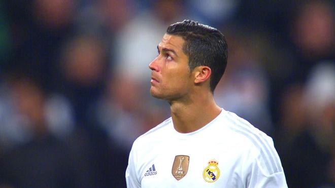 Fan Barcelona bi to cao miet thi Ronaldo dong tinh hinh anh