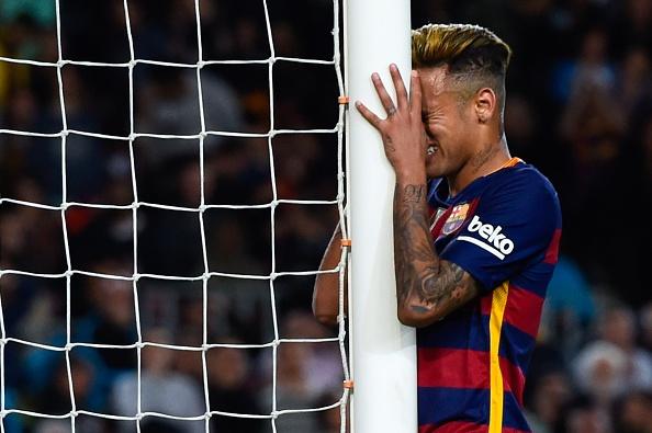 Neymar bi phat hien quat mang dong doi hinh anh