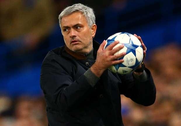 Mourinho doi dau Ranieri tai Old Trafford hinh anh