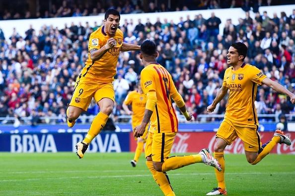Suarez ghi 4 ban va kien tao 3 ban giup Barca thang 8-0 hinh anh 2