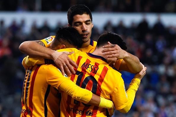 Suarez ghi 4 ban va kien tao 3 ban giup Barca thang 8-0 hinh anh 11