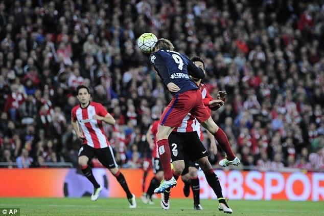 Torres ghi ban duy nhat giup Atletico bang diem Barca hinh anh 3