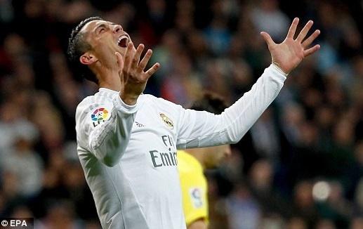 Ronaldo sap gia han hop dong voi Real den nam 35 tuoi hinh anh