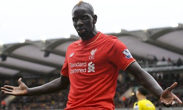 Hau ve Liverpool bi phat nang vi nghi an doping khi gap MU hinh anh