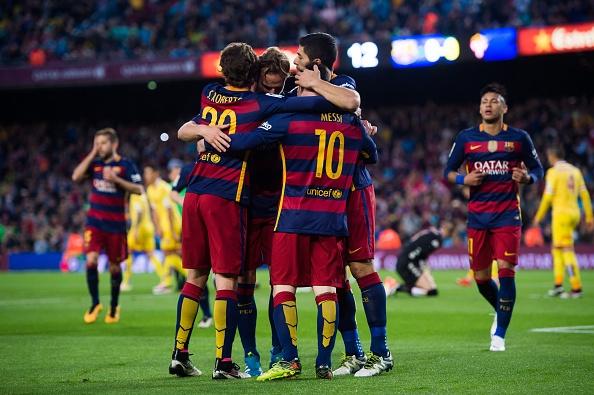 Suarez lai ghi 4 ban trong ngay Barcelona thang 6-0 hinh anh 13
