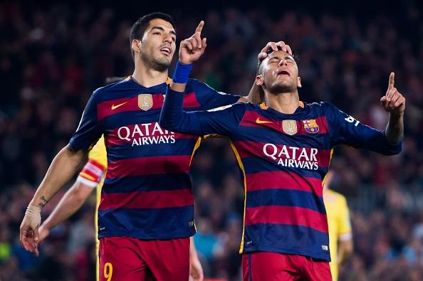 Suarez lai ghi 4 ban trong ngay Barcelona thang 6-0 hinh anh 10