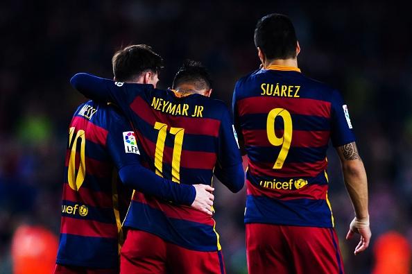 Suarez lai ghi 4 ban trong ngay Barcelona thang 6-0 hinh anh 12