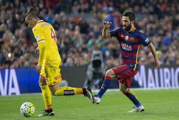 Suarez lai ghi 4 ban trong ngay Barcelona thang 6-0 hinh anh 3