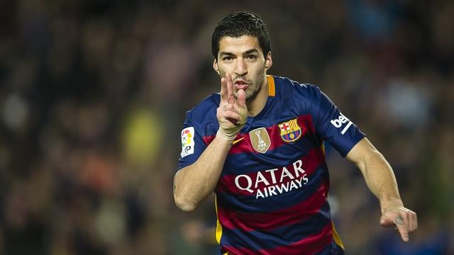 Suarez lai ghi 4 ban trong ngay Barcelona thang 6-0 hinh anh