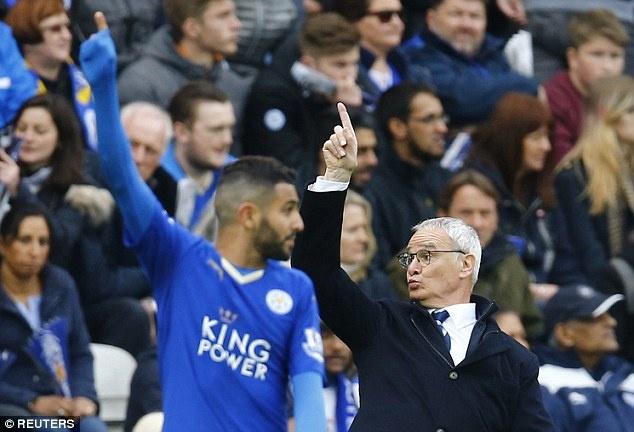 HLV Ranieri khen ngoi ca doi da thay phan cua Vardy hinh anh 1