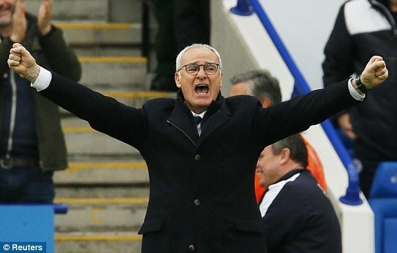 HLV Ranieri khen ngoi ca doi da thay phan cua Vardy hinh anh