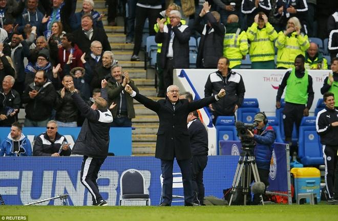 Leicester thang dam nhat tu dau mua khi Vardy vang mat hinh anh 17