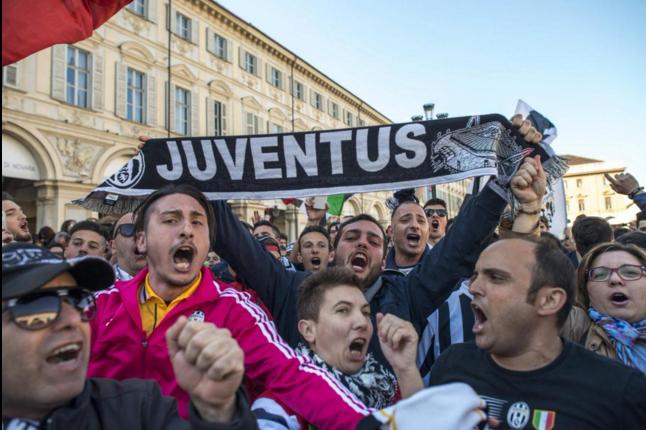 Juventus an mung chuc vo dich Serie A thu 5 lien tiep hinh anh 8