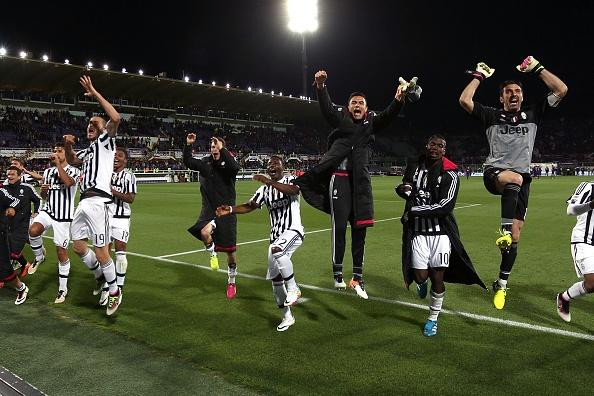 Juventus an mung chuc vo dich Serie A thu 5 lien tiep hinh anh 2